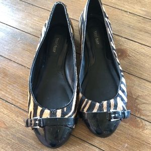White House Black Market Zebra Flats
